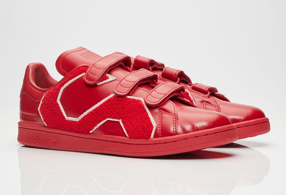 raf-simons-adidas-stan-smith-comfort-badge-08-940x640