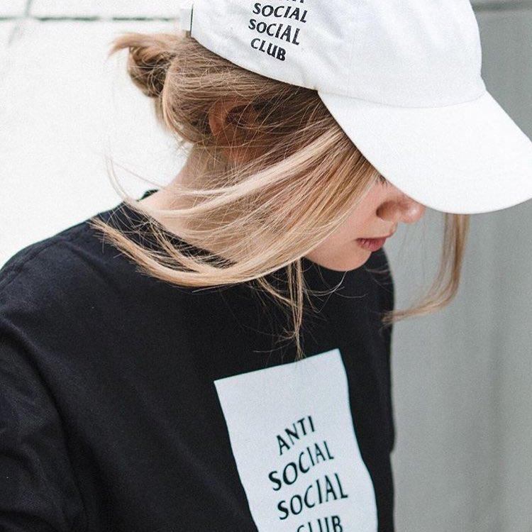 ANTI SOCIAL club 1