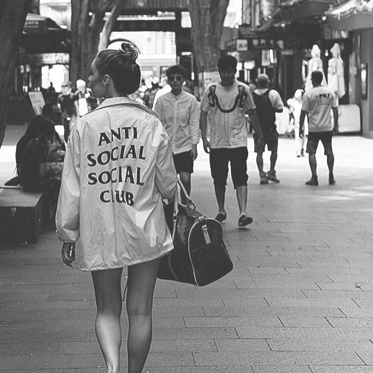 ANTI SOCIAL club 2