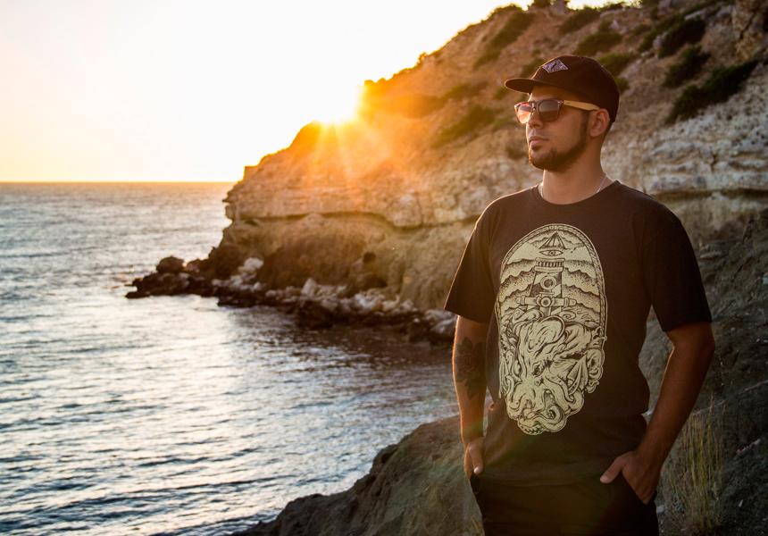 Обзор футболки Octopus от бренда уличной одежды «UP!DEAD!UP»