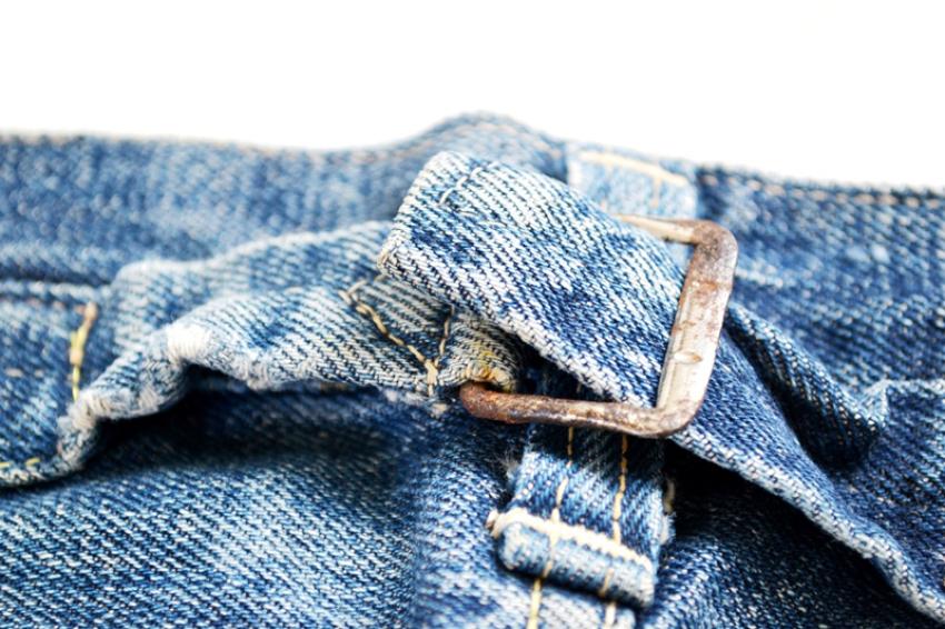 хлястики на джинсах
