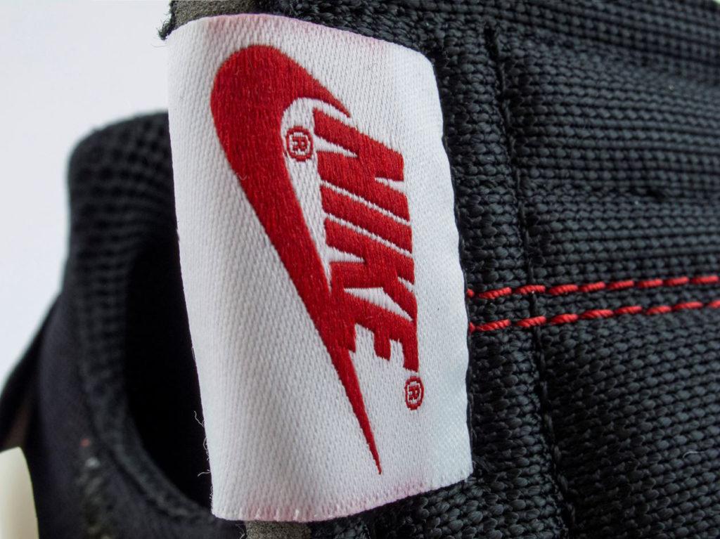 Nike Off-White Air Presto ярлык на языке