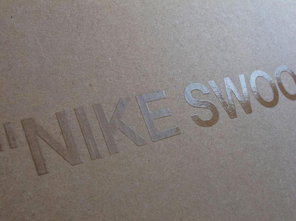 Nike Off-White лого на коробке