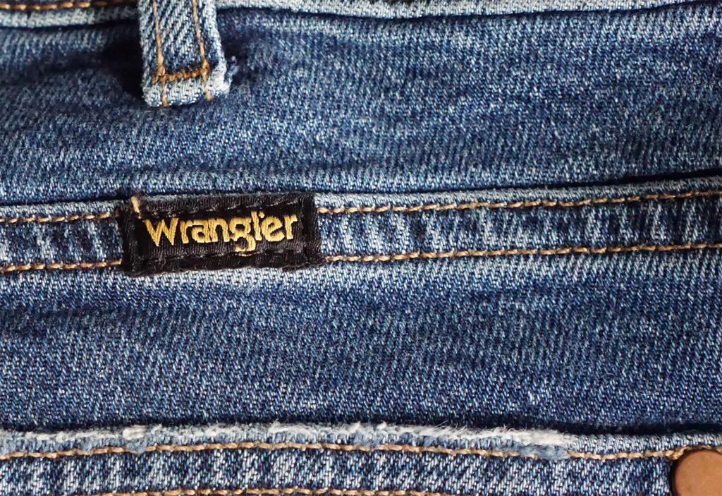 джинсы Wrangler бирка