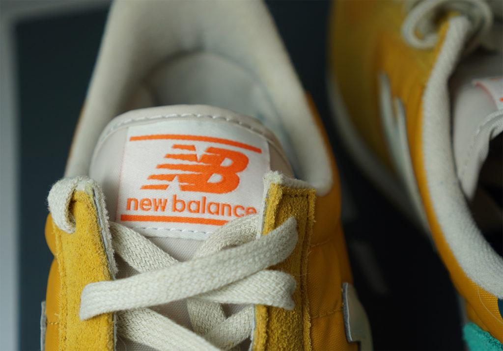 Как отличить оригинал New Balance 220 от подделки