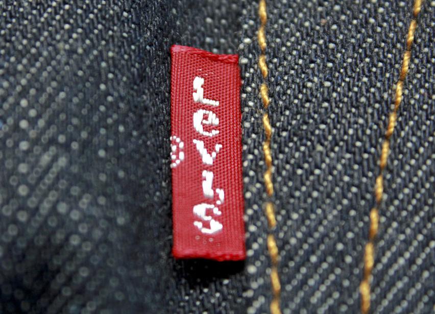 LEVI's или Levi's: интересные факты о бирке бренда